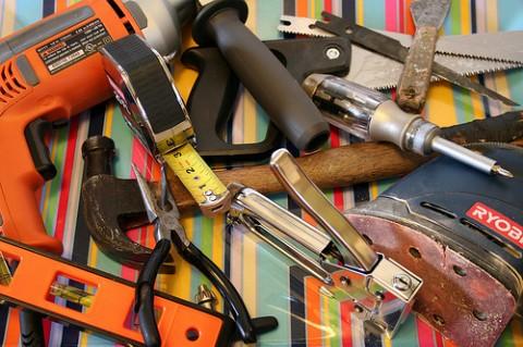 инструменты для ремонта пола